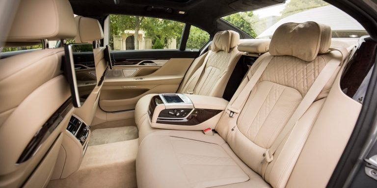 Extra Services That You Can Expect From Chauffeur Cars Melbourne