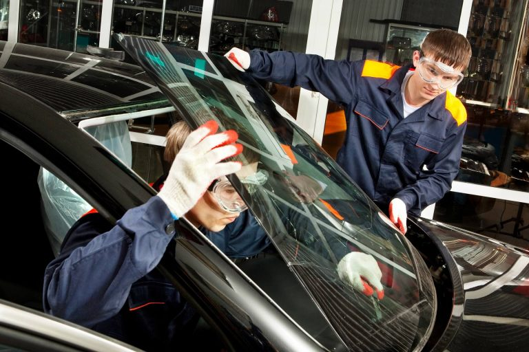 The Way to Seek the Services of The Ideal Windscreen Replacement Support?